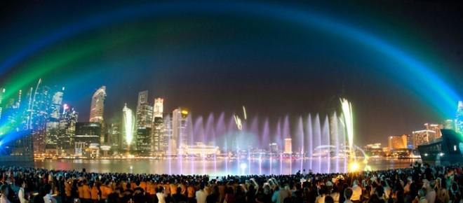 การแสดง แสง สี เสียง และ น้ำพุ ที่ Marina Bay Sands